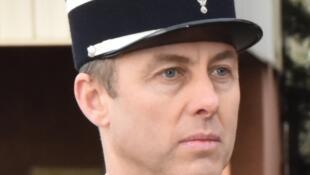 Подполковник жандармерии Арно Бельтрам предложил себя вместо заложников