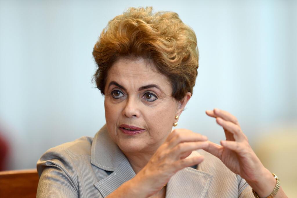 Rais wa Brazil Dilma Rousseff aliyesimamishwa kwa muda katika majukumu yake, katika Ikulu ya Alvorada, Juni 14, 2016.