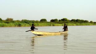Le changement climatique, aggravé par une très mauvaise gestion des ressources hydrauliques au fil des ans, a conduit à la disparition de 90% de la surface du lac Tchad en 40 ans.
