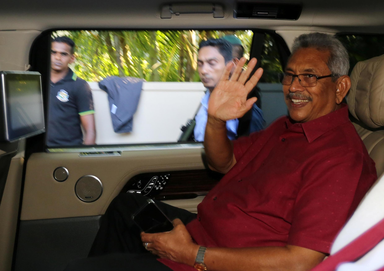 斯里兰卡新总统戈塔巴耶-拉贾帕克萨Gotabaya Rajapaksa向支持者致意2019年11月17日科伦坡