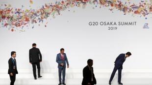 Maandalizi ya picha kwa viongozi wanaoshiriki mkutano wa G20, Osaka, Japan, Juni 28, 2019.