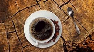 Le café «expresso» est une bonne source de magnésium, de vitamine B2, B3, B5 et de cuivre.
