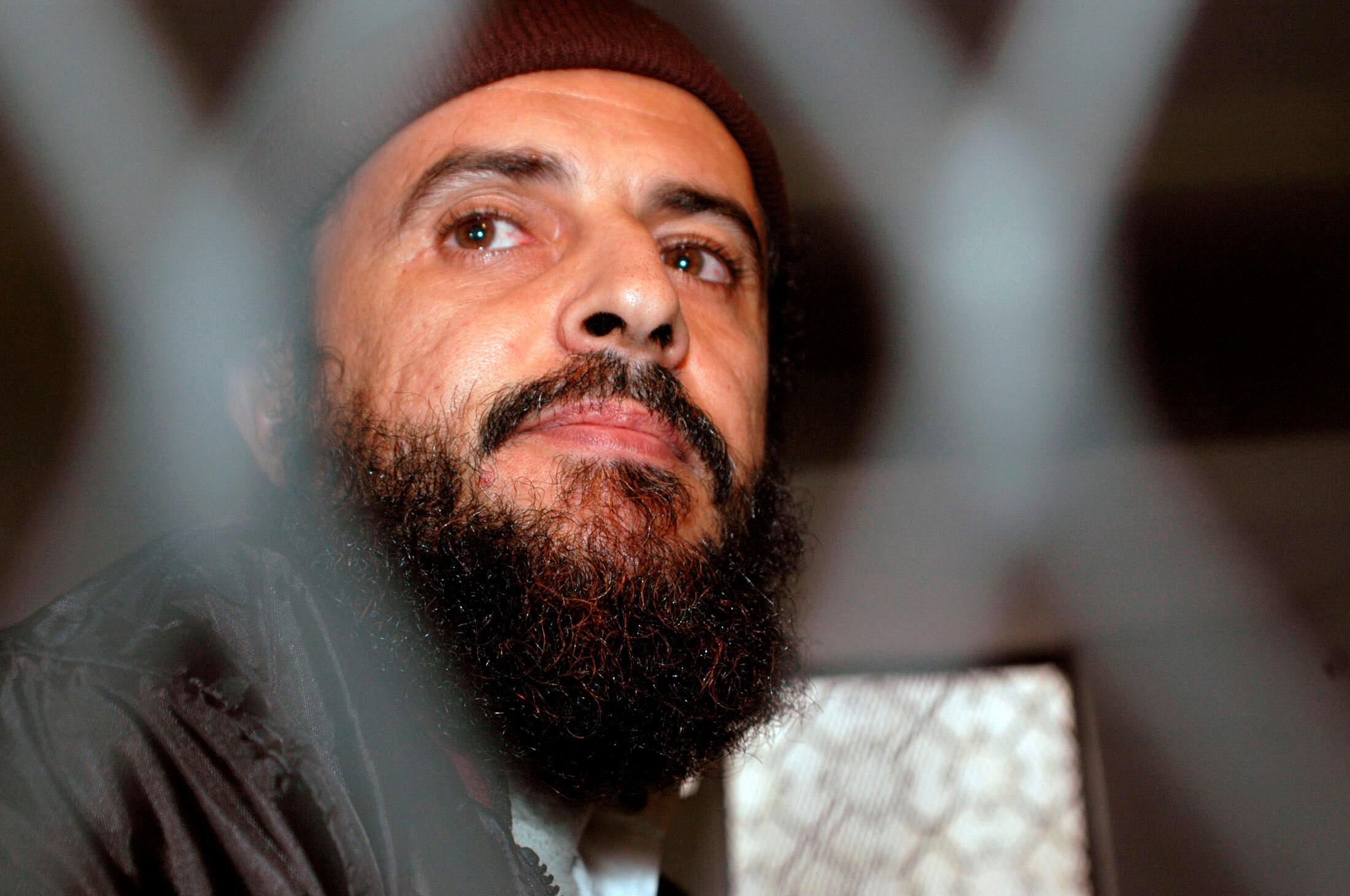 Jamal al-Badawi, dont la tête avait été mise à prix 5 millions de dollars par les Etats-Unis (ici lors de son jugement à Sanaa, le 8 décembre 2004).