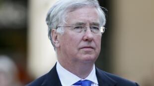 Bộ trưởng Quốc Phòng Anh Michael Fallon từ nhiệm ngày 01/11/2017.