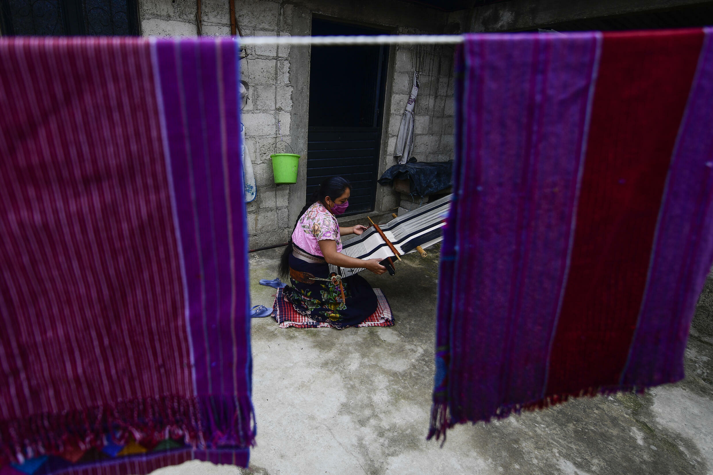 Busca una explicación de los diseñadores de vestuario internacionales sobre el abuso cultural de la cultura indígena mexicana