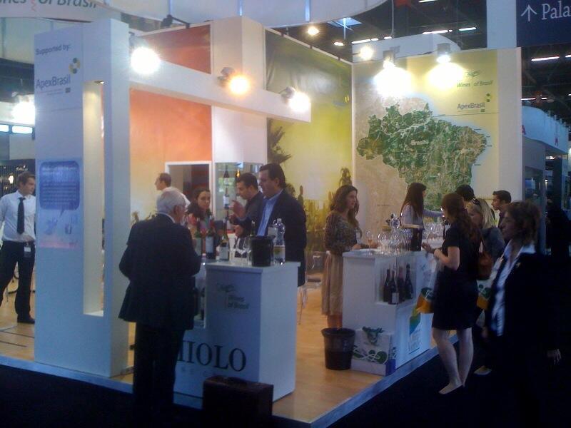 O maior salão internacional de vinhos, a Vinexpo em Bordeaux.