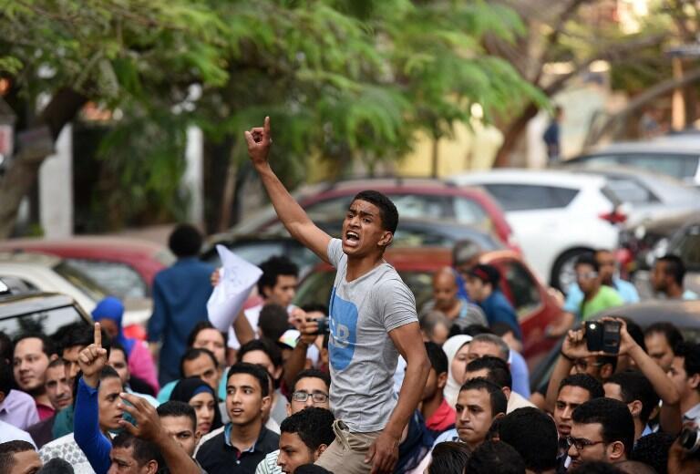 Biểu tình ngày 25/04/2016 tại Cairo phản đối chính quyền Sissi.