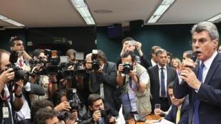 Jucá durante o anúncio da retirada do apoio da bancada do PMDB à presidente Dilma Rousseff, em março deste ano.