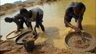 garimpeiros moçambicanos