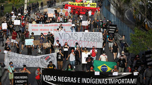 2020-06-07T231458Z_1916655365_RC2N4H9MYC3M_RTRMADP_3_BRAZIL-PROTESTS-RACE