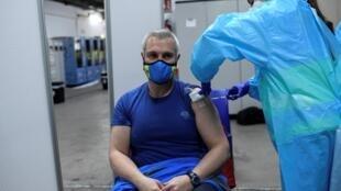 Vaccins anti-Covid-19: l'eurodéputé P. Canfin pointe le manque de transparence des contrats