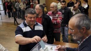 超過一百五十萬參加法國社會黨9號的黨內初選
