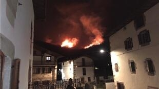 The fires in the Basque Country were reportedly brought under control by Saturday evening, but continued to burn in some areas.