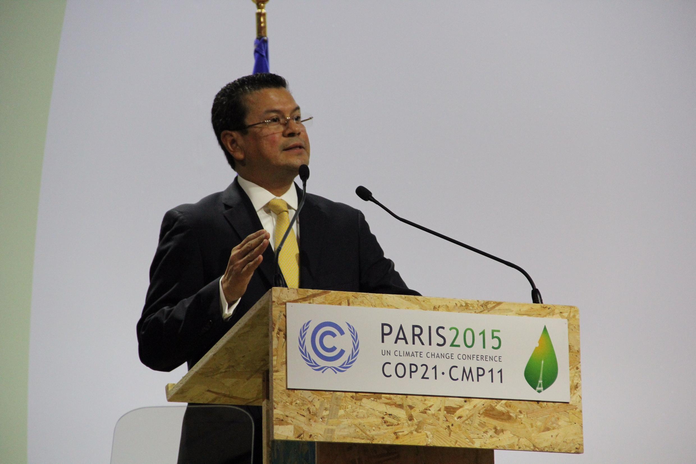 El canciller salvadoreño en la COP21 de Le Bourget, en el norte de París. 7 de diciembre de 2015.