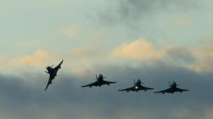 هواپیماهای شکاری بریتانیا بر فراز آکروتیری در جنوب قبرس