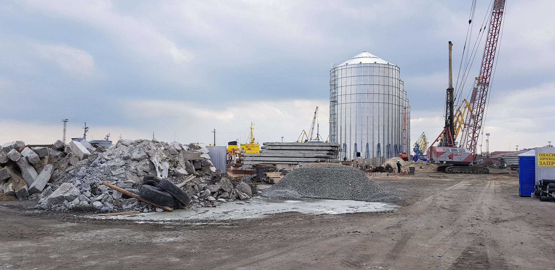 Строительство зернового терминала в морском порту Мариуполя