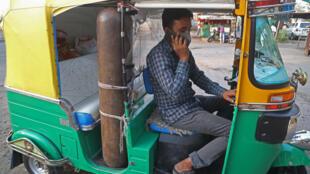Mohammad Javed Khan, conductor de tuk-tuk en India, el 30 de abril de 2021