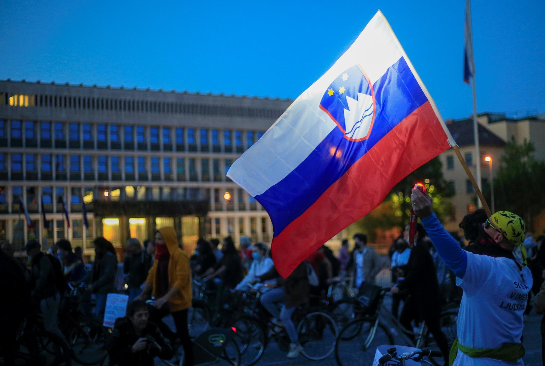 Manifestation dans les rues de Ljubljana contre le gouvernement, le 8 mai 2020.