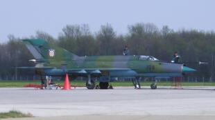 Un avion de chasse MiG 21 des forces armées croates.