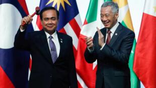 Premier ministre thailande et premier ministre singapour au sommet asean à singapour 15/11/2018