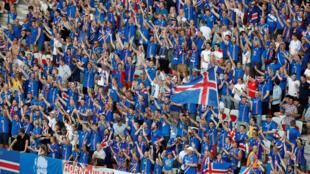Cổ động viên Iceland trên sân Nice, sau trậng thắng Anh (2-1) ngày 27/06/2016.