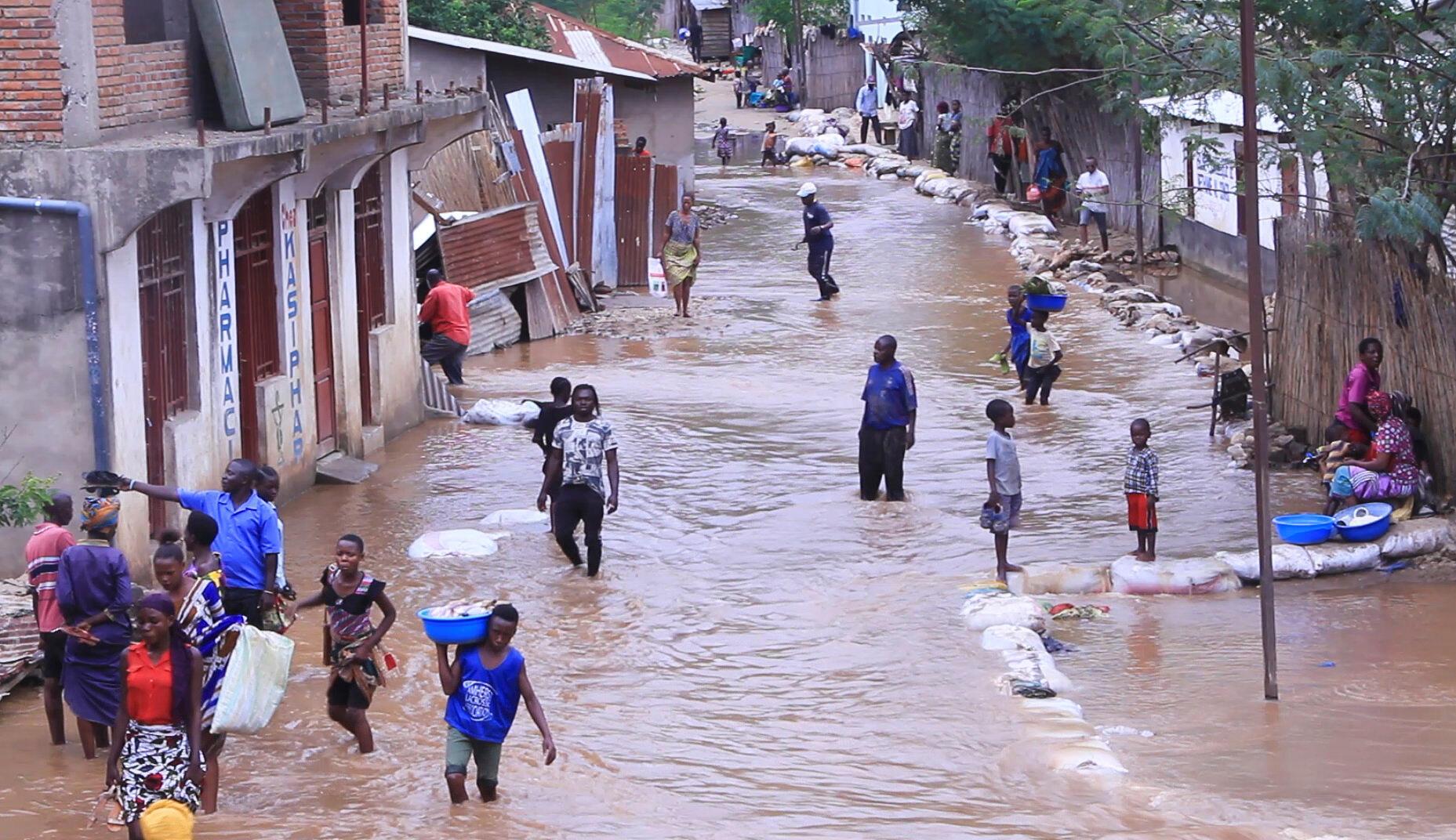 La ville d'Uvira, dans le Sud-Kivu, sous les eaux, en RDC, avril 2020.
