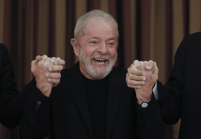 Foto de archivo tomada el 18 de febrero de 2020, del expresidente de Brasil Luiz Inácio Lula da Silva durante una reunión con diputados y senadores del Partido de los Trabajadores (PT) en Brasilia.