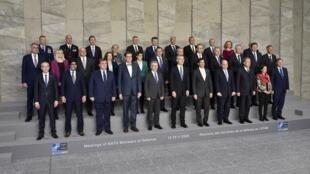 عکس دستهجمعی وزرای دفاع کشورهای عضو ناتو در مقر ناتو در بروکسل. چهارشنبه ٢٣ بهمن/ ١٢ فوریه ٢٠٢٠