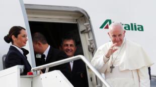 Giáo hoàng Phanxicô lên đường thăm Các Tiểu Vương Quốc Ả Rập, ngày 03/02/2019.