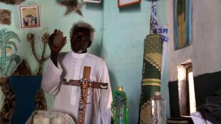 Père spirituel, Severino Lukoya fut aussi le père naturel de la prêtresse guerrière Alice Lakwena.