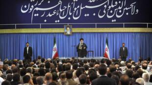 سخنرانی امروز آیت الله خامنه ای، در دیدار با خانواده های معظم شهیدان هفتم تیر و جمعی از خانواده های شهیدان و جانبازان شهر تهران
