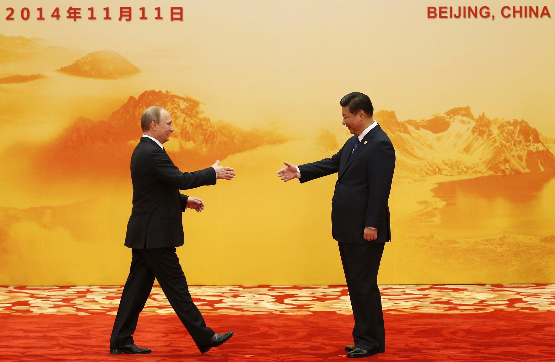 Tổng thống Nga và Chủ tịch Trung Quốc tại một hội nghị quốc tế.