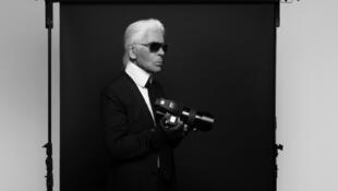 Os talentos de fotógrafo de Karl Lagerfeld são expostos na Pinacoteca de Paris.