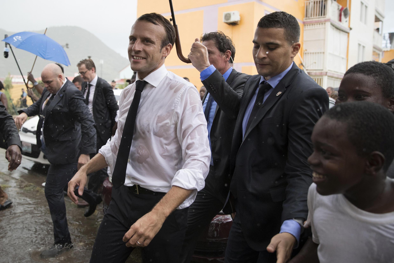 Emmanuel Macron lors d'une visite sur l'île de Saint-Martin, le 29 septembre 2018.