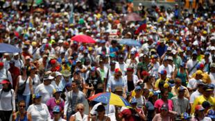 Des manifestants anti-Maduro à Caracas, le 20 avril 2017.