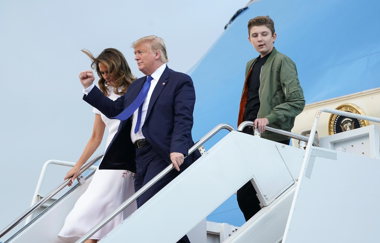 Le président américain Donald Trump et sa femme à leur arrivée en Floride, où ils passent le week-end, le 17 janvier 2020.