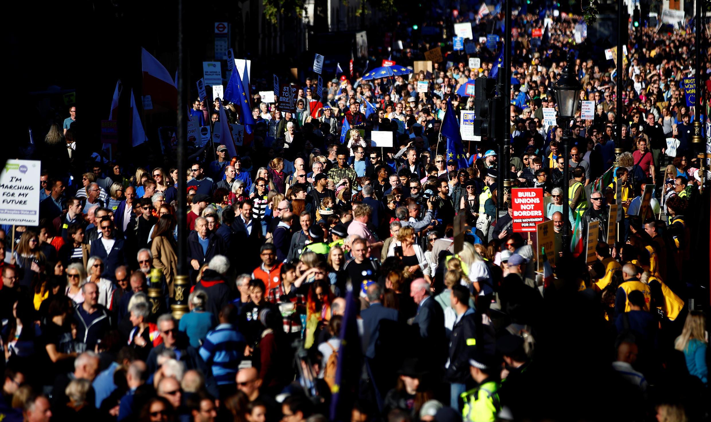 Biển người chống Brexit trên đường phố Luân Đôn, chiều tối 20/10/2018.