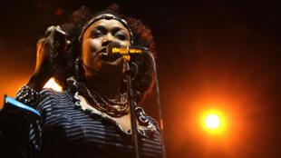 Oumou Sangaré, en concert au Festival de Jazz, à Rotterdam, le 8 juillet 2012.
