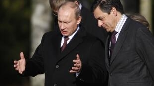 Vladimir Poutine et François Fillon à Rambouillet lors du séminaire intergouvernemental franco russe