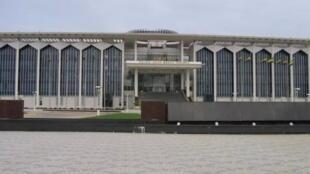 Assembleia nacional do Gabão despenaliza homossexualidade