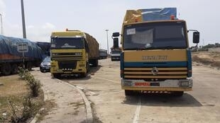 Le poste de Sèmè-Kraké s'est vidé à la frontière entre le Bénin et le Nigeria. Il y reste tout de même quelques camions coincés.