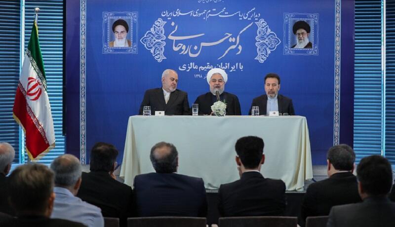 حسن روحانی در کوالالامپور با گروهی از ایرانیان ملاقات کرد