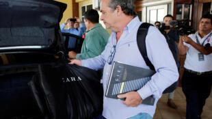 El coordinador del GIEI, el italiano Amerigo Incalcaterra, abandona su hotel en Managua tras la decisión del gobierno nicaragüense de expulsar al grupo.