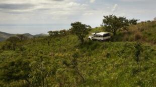 Gari la jeshi la Umoja wa Mataifa likipiga doria katika eneo la Djugu, mkoani Ituri, Machi 2018.