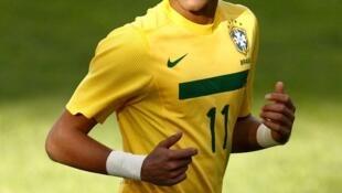 Esta é a primeira indicação do atacante Neymar ao prêmio europeu.