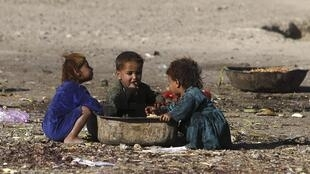 Selon Oxfam, si les 100 personnes les plus riches du monde donnaient le quart de leur fortune, on pourrait faire disparaître la grande pauvreté.