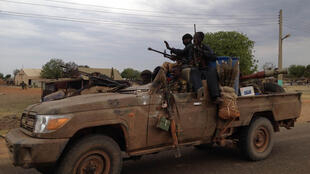 Des membres d'un groupe armé au Darfour (image d'illustration)