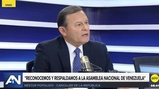 El canciller peruano Néstor Popolizio en entrevista con la cadena local RPP Noticias