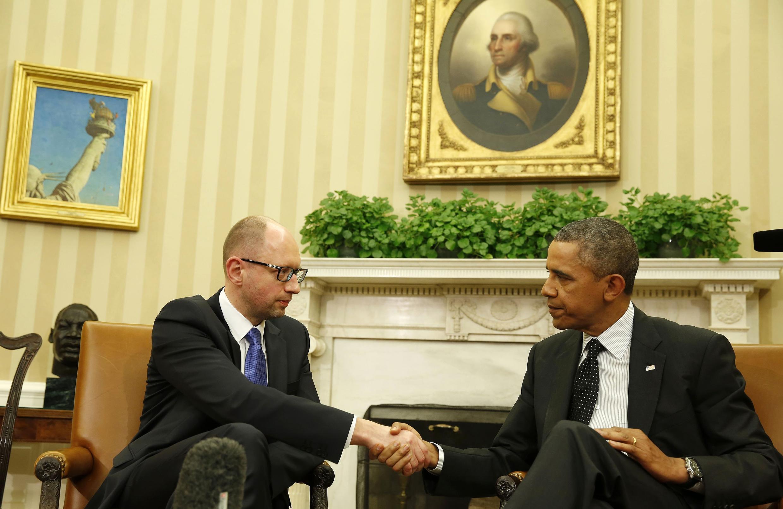 Tổng thống Mỹ Barack Obama (P) tiếp Thủ tướng Ukraina Arseni Iatseniouk tại Nhà Trắng, Washington, 12/03/2014