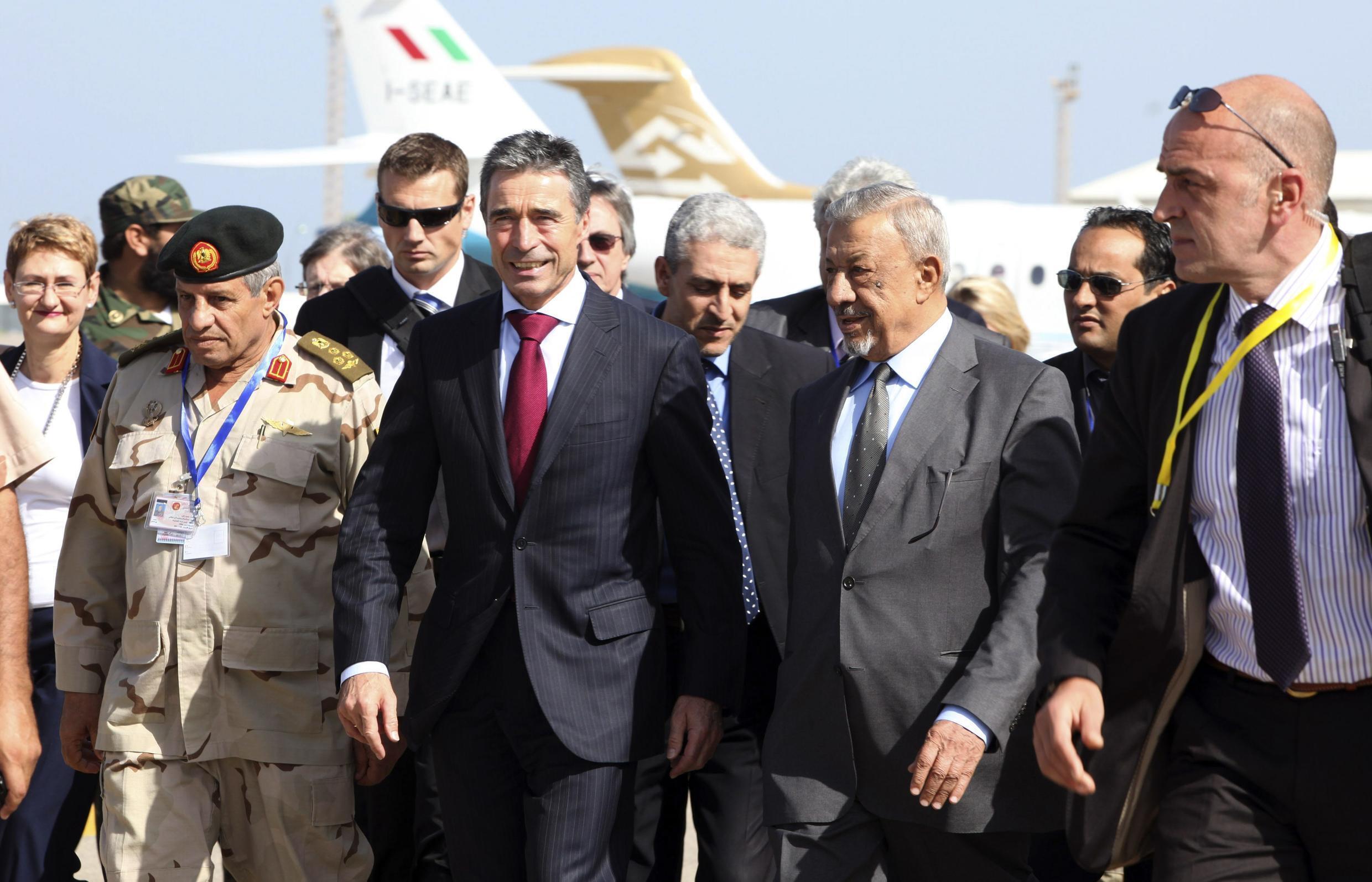 Генеральный секретарь НАТО Андерс Фог Расмуссен прибыл в Ливию 31 октября 2011 года